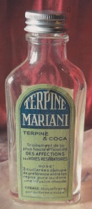 Terpine Mariani à la coca. Produit composé notamment de 40 % d'alcool et de 5,6 % de coca