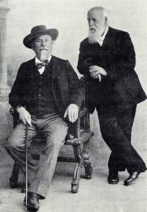 DR: Cette photographie représentant Mistral et Mariani, ensemble, a semble-t-il été prise par Florent Miesienski à Arles le 24 décembre 1906.